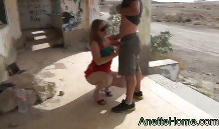लानत बाल्टी फुल एचडी सेक्स फिल्म के दौरान भावुक लड़की के साथ गर्म गधा