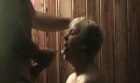 वह एक बड़ा मुर्गा के लिए फुल एचडी में सेक्सी फिल्म अपनी बहन को सज़ा