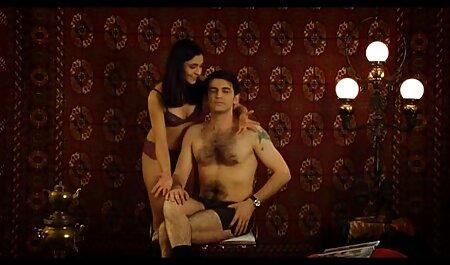 वे हिंदी में सेक्सी पिक्चर मूवी दो अंगों पर एक वेश्या डाल