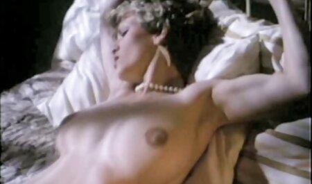 बहन वह सो रहा है जब उसके वीडियो में सेक्सी पिक्चर मूवी प्रेमी जाने