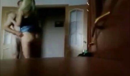 बंधे हाथों से फ़र्श पर मूवी पिक्चर सेक्सी वीडियो तीन लोग (देखें शिपिंग)